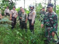 Cegah Karhutla, Prajurit Koramil 1202-04/Sgl Lakukan Patroli