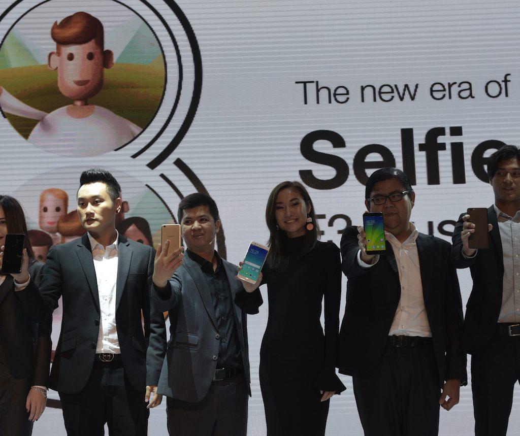 Memulai Tren Group Selfie Dengan OPPO F3 Plus