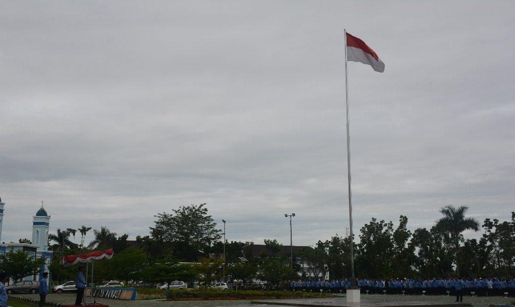 Inilah Penjelasan Bupati Kubu Raya, Terkait Pengibaran Bendera Sobek Saat Upacara Peringatan Hari Kesaktian Pancasila