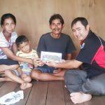 Ketua Umum KKT, Penuhi Janjinya Untuk Bantu Mayarakat Kurang Mampu Yang Mengidap Penyakit Paru-Paru