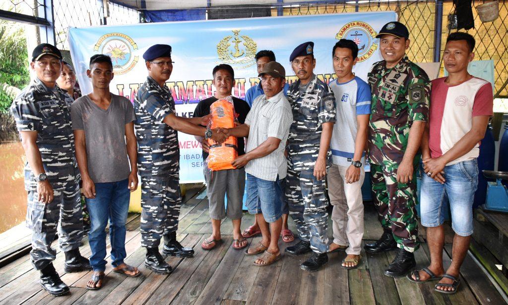 Lantamal XII Laksanakan Karya Bhakti dan Bhakti Sosial Dalam Rangka HUT TNI Ke 72