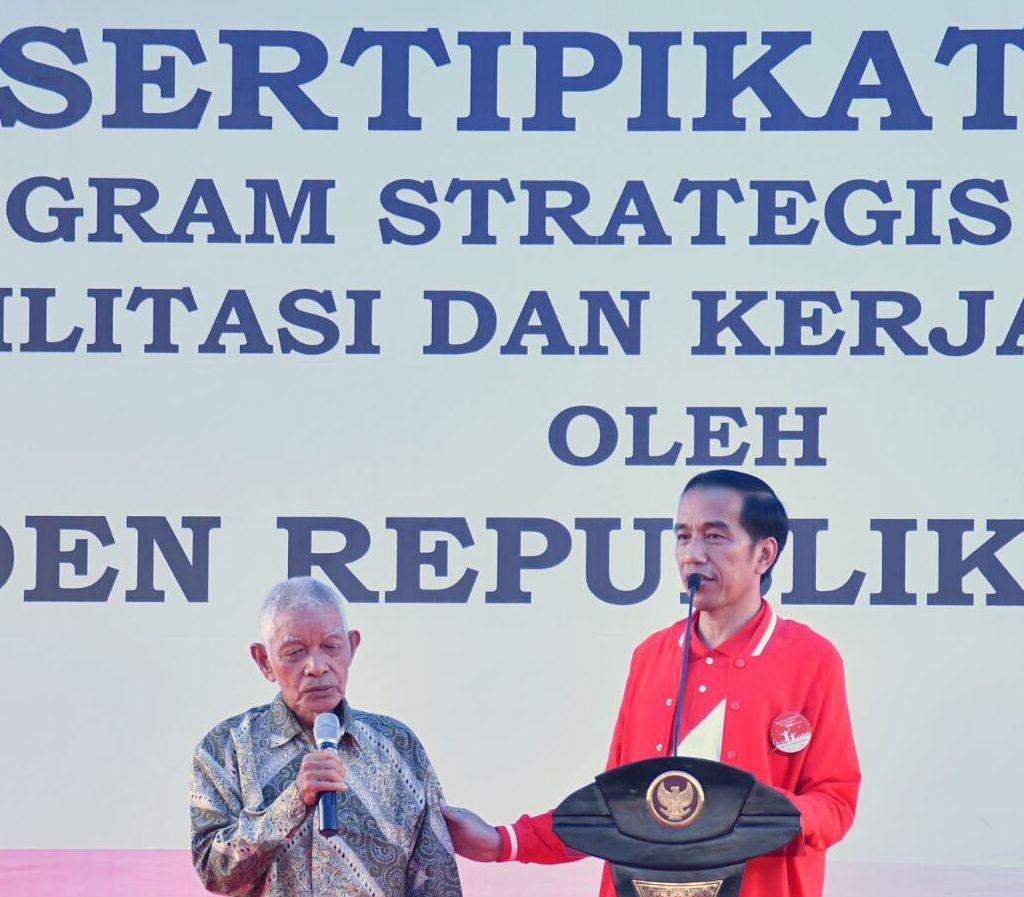 Presiden Serahkan 6.000 Sertifikat Di Pekanbaru