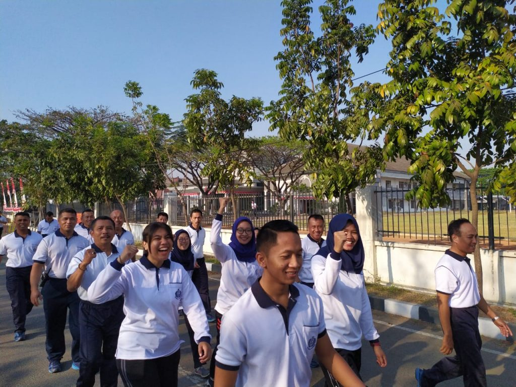 MAHASISWA UNESA SURABAYA PRAKTEK KERJA LAPANGAN DI STTAL BUMIMORO SURABAYA