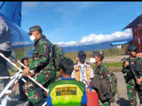 Kasdam III/Slw Tinjau Pos Satgas Pamtas 312/KH, di Oksibil Pegunungan Bintang, Papua
