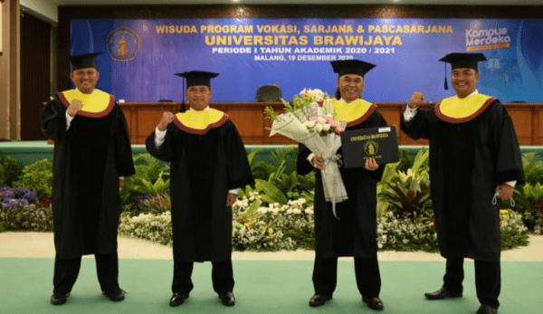 Komandan STTAL beserta 3 Perwira Menengah STTAL Wisuda Gelar Doktor Universitas Brawijaya Malang