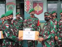 Kunjungi Satgas Pamtas Yonif 407/PK, Pangkoopsdam XII/TPR : Tanamkan Cinta Tanah Air dan Bantu Kesulitan Masyarakat