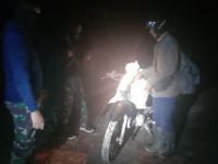 Konsisten Patroli, Satgas Pamtas Yonif 642 Kembali Gagalkan Penyelundupan Puluhan Botol Miras