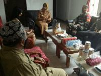 Danramil Toho Dampingi Bupati Mempawah Sosialisasikan Pembatasan Perayaan Tahun Baru