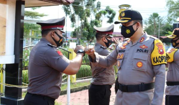 80 Personel Polres Mempawah Naik Pangkat