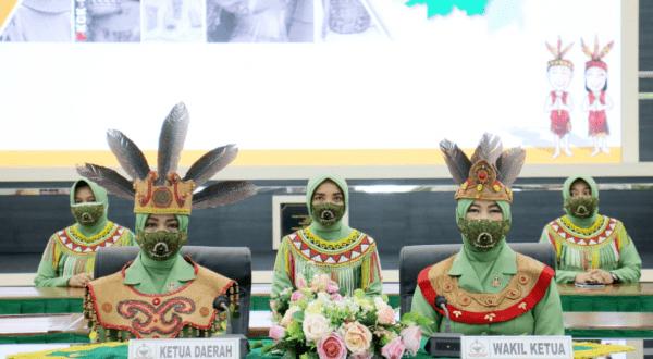 Dukung UMKM, Persit KCK Daerah XII/Tpr Selenggarakan Webinar Pelatihan Anyaman Pembuatan Tas Berbahan Dasar Rotan
