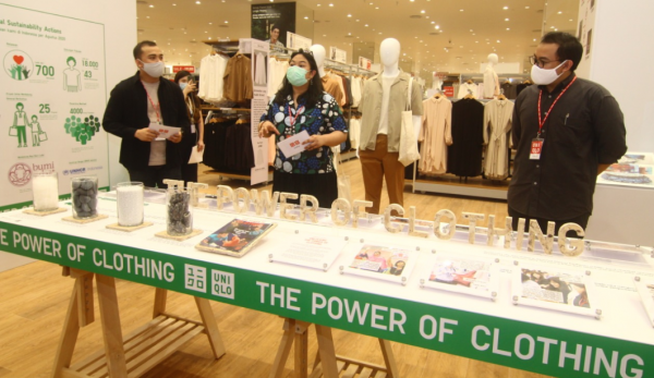 UNIQLO Brand Fashion Lisensi Negara Sakura Hadir Di Kalbar, Pas Dikocek Masyarakat