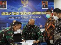 Komandan STTAL Hadiri Penandatanganan Kontrak