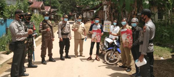 Aparat Gabungan Gelar Operasi Yustisi dan Bagi Masker di Meranti
