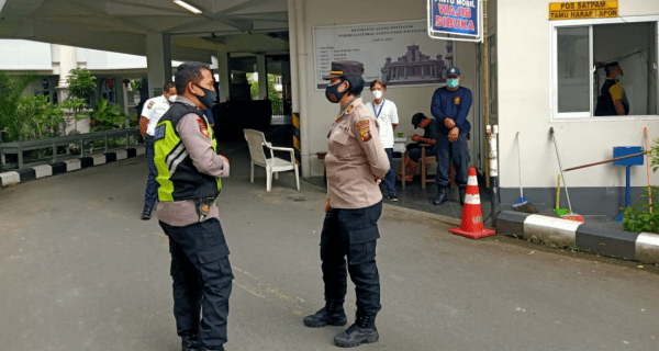 Kapolsek Pontianak Kota AKP Sulastri, SH, MM., Melakukan Kegiatan Patroli