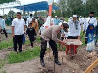 """Kapolsek Rasau jaya Hadiri Peletakan Batu Pertama Pembangunan Pesantren Anak Jalanan """"Al- QUR'ANUL KARIM AT – THORIQOH"""""""