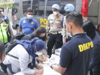 66 Personel Polres Metro Jakarta Barat Mengikuti Pemeriksaan Urine