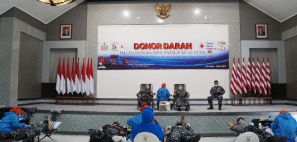 Civitas Akademika STTAL Aksi Donor Darah Bukti Pengabdian STTAL/TNI AL Kepada Bangsa