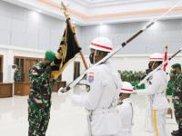 Sukses Pimpin Pendam XII/Tpr, Kolonel Inf Aulia Fahmi Dalimunthe Serahkan Jabatan Kepada Letkol Inf Hendra Purwanasari