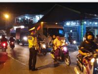 Antisipasi Kemacetan Polsek Pontianak Timur Optimalkan Kegiatan Pengamanan Pada Malam Minggu