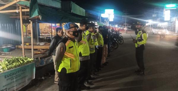 Personil Gabungan Polres Kubu Raya dan Polsek Sungai Kakap Laksanakan Patroli Blue Night
