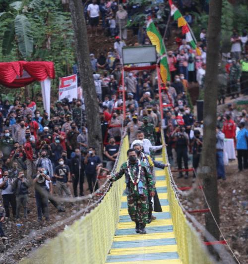 Jembatan Gantung Sepanjang 120 Meter, Offering Dari Kodam III/Siliwangi