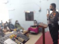 Iptu Jhoni Sembiring Panit Sabhara polsek Pontianak Timur Beri ceramah Kamtibmas di gereja Kemah Injil