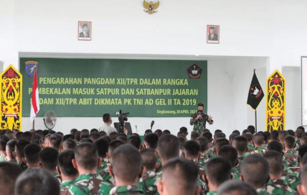 Pangdam XII/Tpr Beri Arahan Kepada Prajurit Tamtama Abituren Dikmata PK TNI AD Gel. II TA. 2019