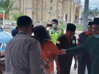 Diksos Kubu Raya bersama Kepolisian Sektor Desa Kapur membawa Orang Dengan Gangguan Jiwa ke Yayasan LKS ODGJ Sungai Ambawang