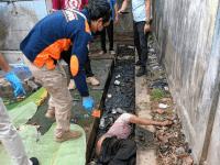 Penemuan Mayat Seorang Laki-Laki di Terminal Oplet, Polisi Lakukan Pengamanan