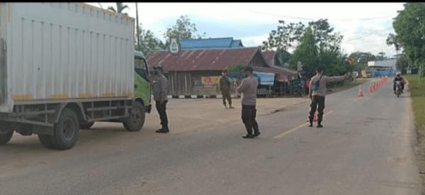 Posko Sekat : Cegah Arus Mudik Perbatasan Nanga Pinoh dan Sintang