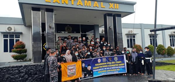PSHT Kalbar Kunjungi Mako TNI AL Lantamal Xll, memberikan Karangan Bunga sebagai ucapan Berdukacita atas Tenggelamnya KRI Nanggala 402