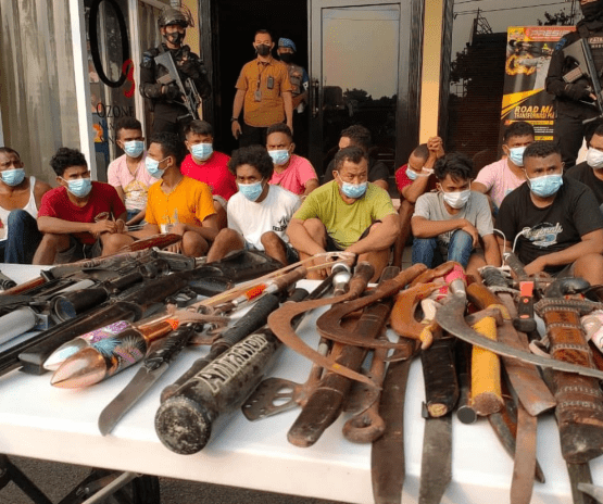 Polisi Berhasil Amankan 45 Orang Dengan Berbagai Barang Bukti, Seperti Sajam, Senjata Rakitan, Peluru, Miras dan Drone