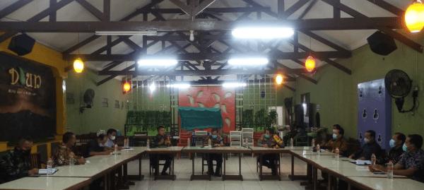 Dandim 1013/Mtw Inisiasi Pertemuan Dengan Stake Holder Terkait Penanganan Covid 19 di Kabupaten Barito Utara