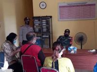 Babinsa Toho dan Tim PPKM Laksanakan Tracing di Desa Sambora