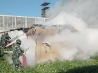 Prajurit Denmadam XII/Tpr melaksanakan Gelar Latihan Penanggulangan Kebakaran