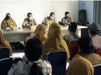 Babinsa Jungkat Hadiri Rapat PPKM di Desa Binaan