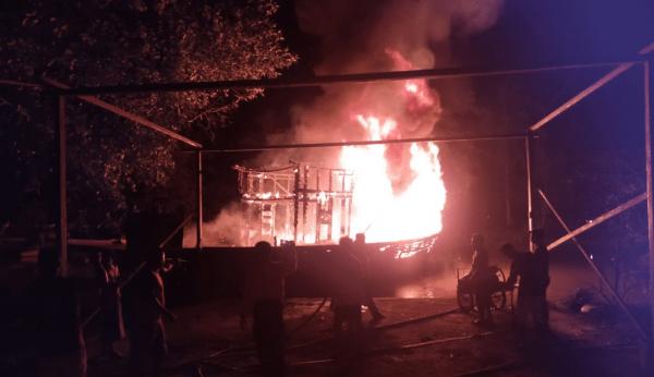 Kapal Nirwana 2 Pengangkut BBM Tujuan Batu Ampar Terbakar Di Pelabuhan Jumbo Rasau Jaya Kubu Raya