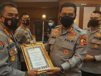 Kabid Humas Polda Banten, Raih Penghargaan Humas Terbaik III