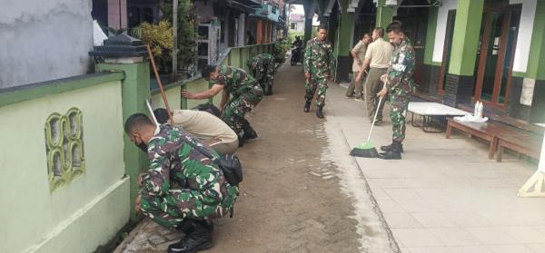 Bersih Lingkunga : Ajendam XII/Tpr Laksanakan Karya Bakti Bersih Masjid