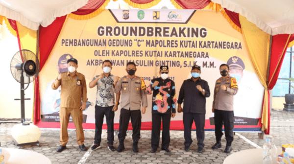 AKBP Irwan Masulin Ginting Pimpin Pelaksanaan Kegiatan Peletakkan Batu Pertama Pembuatan Gedung C Polres Kukar