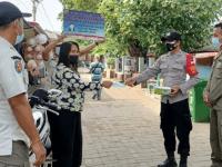 Polres Kepulauan Seribu Bagikan 3.200 Masker Medis Ke Warga