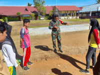 Melalui Komsos, Babinsa Sungai Kunyit Berikan Semangat dan Motivasi Kepada Pemuda