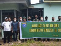 Personel Ajendam XII/Tanjungpura Melaksanakan Karya Bakti Pengecetan Posyandu