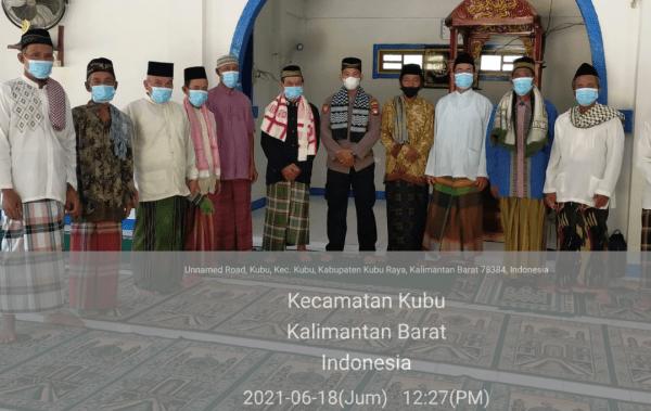 Kanit Samapta Polsek Kubu Aiptu Rusdi, S,Hi Berikan Khutbah Jum'at Di Masjid Jami Nurussalam