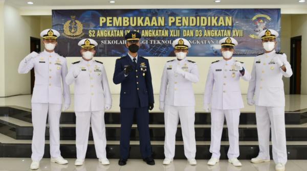 Komandan STTAL Laksma TNI Dr. Ir. Avando Bastari, M.Phil. : Masa Pandemi Melatih Mahasiswa Memiliki Self Directed Learning
