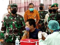 Pangdam XII/Tpr Tinjau Serbuan Vaksinasi di Ketapang