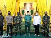 Pangdam XII/Tpr Bersama Gubernur Tinjau Vaksinasi di Istana Kadariah