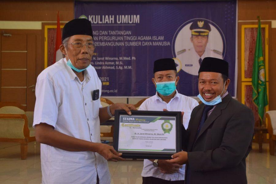 Jadi Pembicara Kuliah Umum STAIMA Sintang, Jarot Ingatkan Tantangan Indonesia Emas 2045