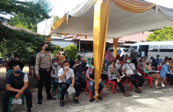 Kapolresta Pontianak Kota Kombes Pol Leo Joko Pantau Vaksin di Pontianak Timur