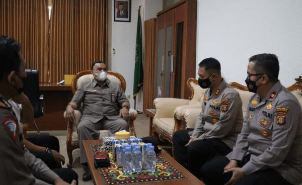 Kapolres Kukar Berkunjung Ke Ketua PN Tenggarong